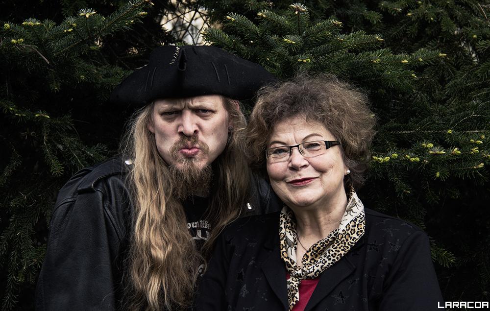 Pirat Arne Paulsen und Astrologin Annegret Becker-Baumann